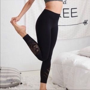 aerie Black Lotus Cut Out Leggings XL